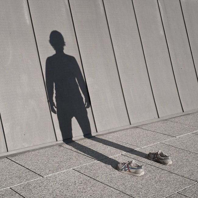 shadow 11 Photographer snaps his own shadow (photos)