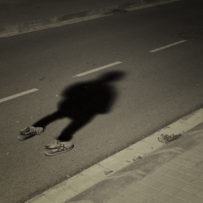 shadow 31 Photographer snaps his own shadow (photos)