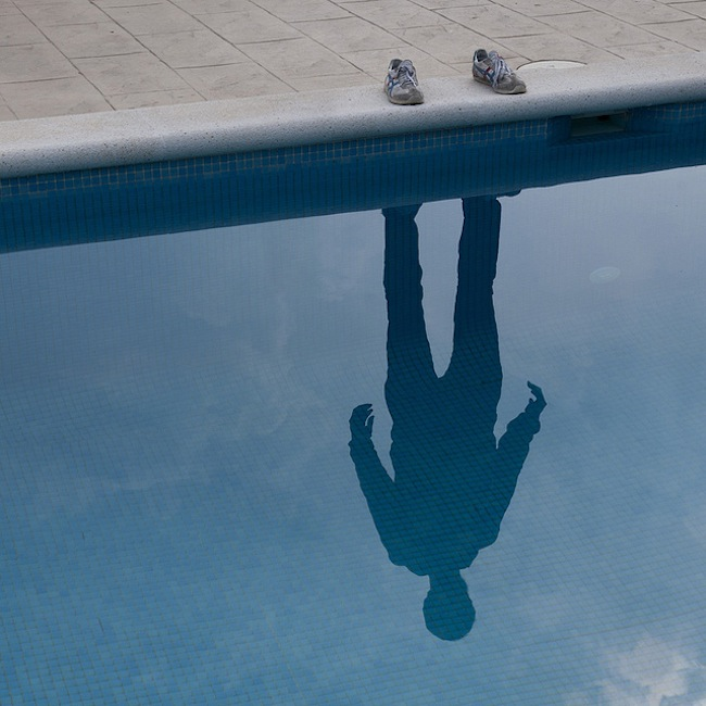 shadow Photographer snaps his own shadow (photos)