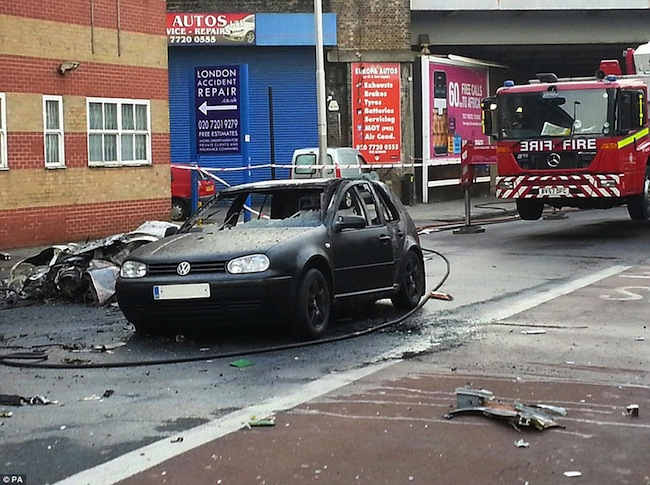 wandsworth road helicopter crash vauxhall 7 Helicopter crashes in Wandsworth Road, London: photos and news