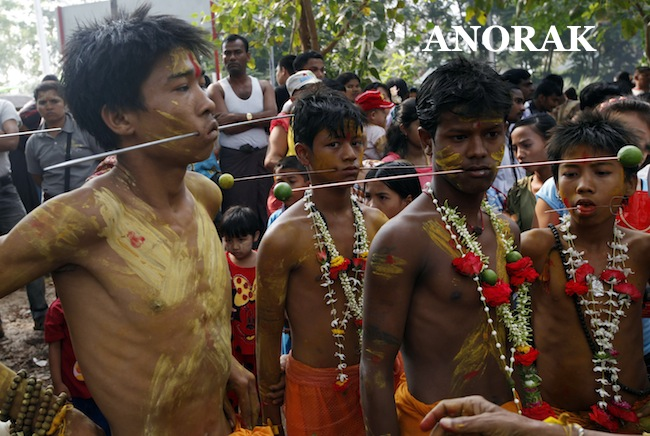 PA 15832381 Children walk on burning embers and get piercings at Myanmar Hindu Festival (photos)