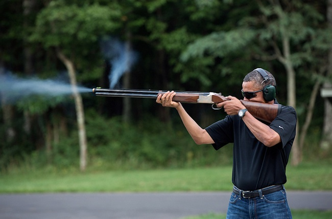 obama shooting skeet Is Obamas skeet shooting photo a fake?
