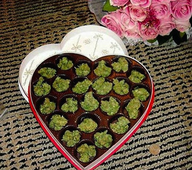 weed valentine 2 Youre smokin: a marijuana gift for St Valentines Day