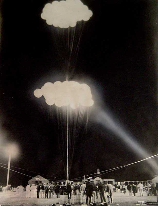 "Jean Piccard's stratospheric cluster balloon ""Enterprise"" ""Pleiades"", Soldier's Field, Rochester, July 1937"