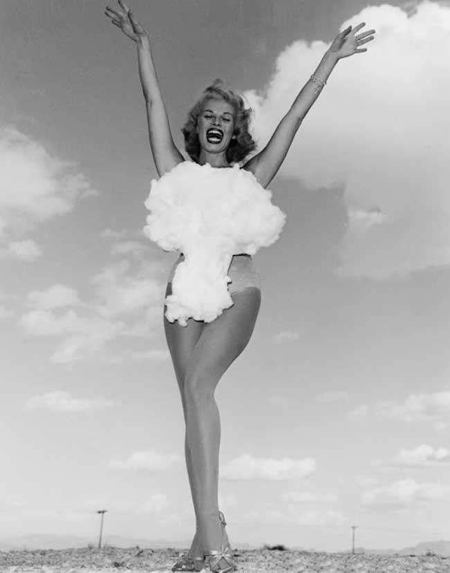Miss Atomic Bomb. 1957 (1)