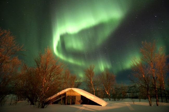 PA 16010628 In photos: the Royal Marines Commando cold weather warfare camp, Norway (with epic Northern Lights show)