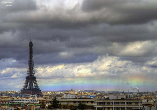 Paris rainbow The straight rainbow over Paris