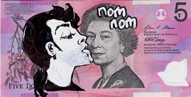 Queen aussie 22 Artist gives Queen Elizabeth a make over on Australian five dollar note