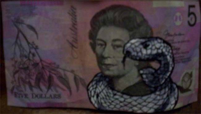 Queen aussie 25 Artist gives Queen Elizabeth a make over on Australian five dollar note