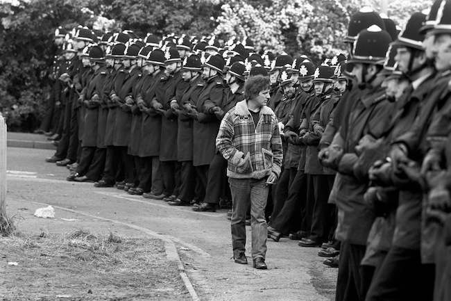 MINER AND POLICEMEN : 1984