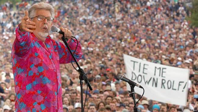 PA 1592707 Rolf Harris arrested as part of Operation Yewtree