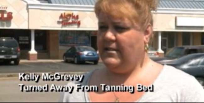 fat tan Ohio woman is too fat to tan