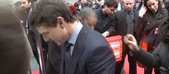 tom cruise heater Who carries Tom Cruises red carpet mobile heating system? (Video)