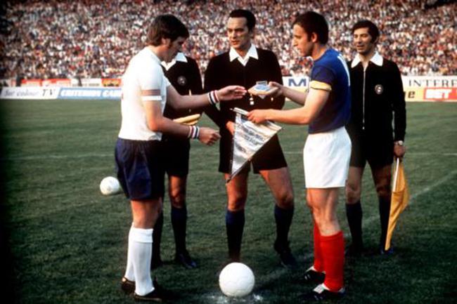 Soccer - Friendly - Yugoslavia v England