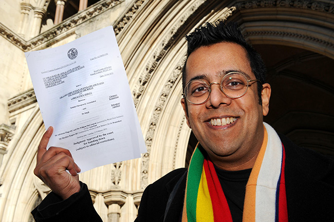 PA 8597979 How can Simon Singh donate to Hacked Off?