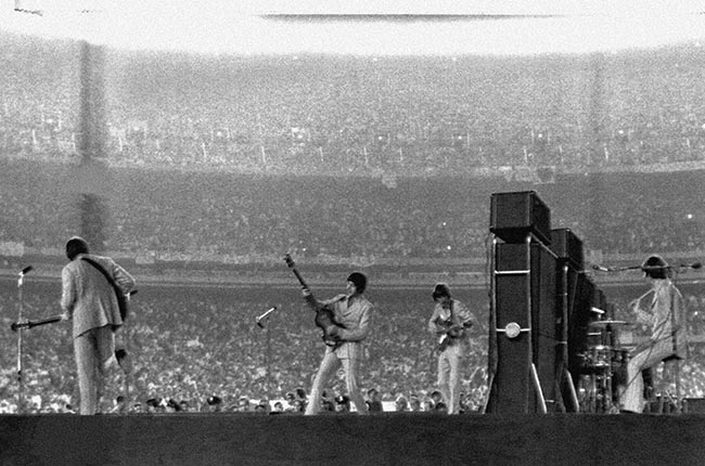 PA 8649199 The Beatles play Sack My Bitch Up at Shea Stadium, 1965