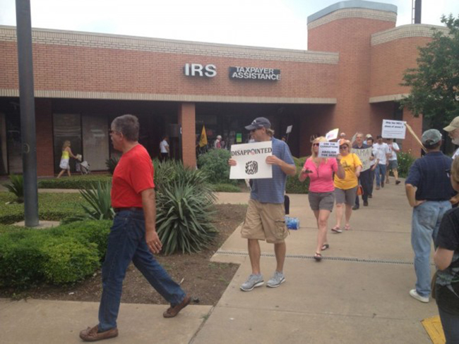 austin irs 1 In photos: The anti IRS Tea Party protests