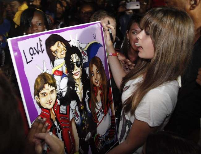 PA 14411645 Paris Jackson is 15 and suicidal   so Jacksons put her front stage centre