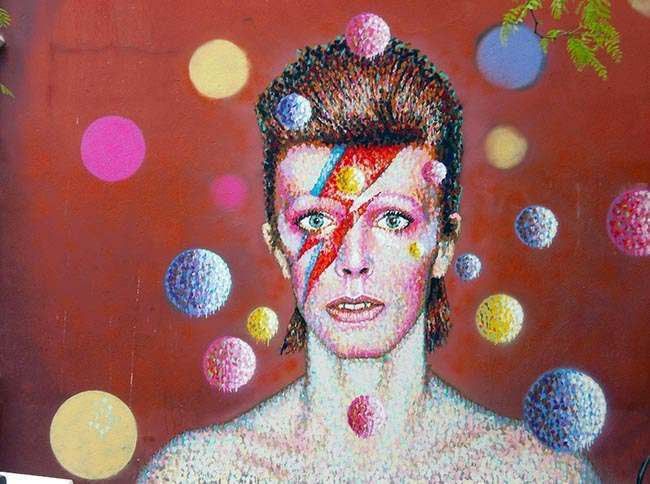 PA 16843684 David Bowie mural in Brixton shows the cover of his 1973 album Aladdin Sane