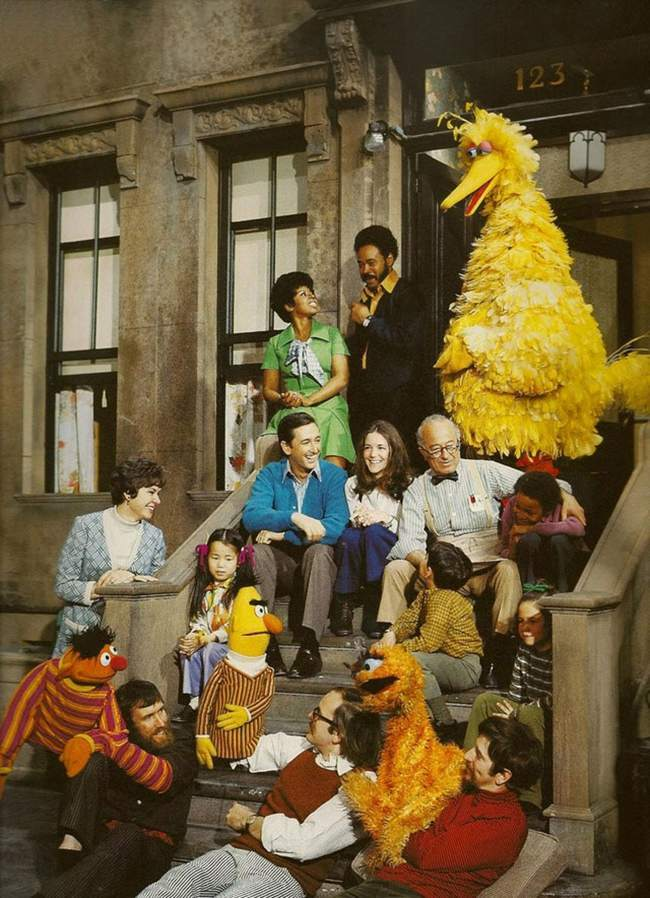 seasme street original Photo: the first ever Sesame Street Cast (when Oscar was orange)