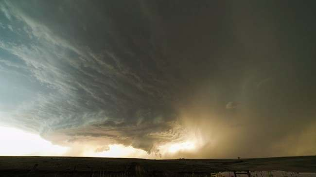 supercell Video of a rotating supercell forming over Texas