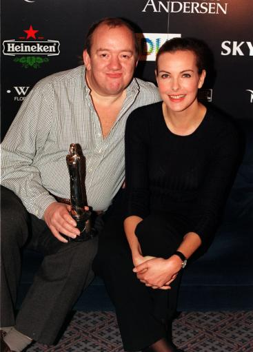 PA NEWS PHOTO 3/12/98 COMEDIAN MEL SMITH AND FRENCH ACTRESS CAROLE BOUQUET AT A PHOTCALL AT THE OLD VIC THEATRE IN LONDON, WHERE THEY WILL BE  PRESENTERS OF THE 1998 EUROPEAN FILM AWARDS.