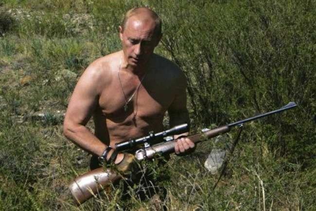 FE_DA_1101_Vladimir_Putin_Shirtless_Hunting425x283