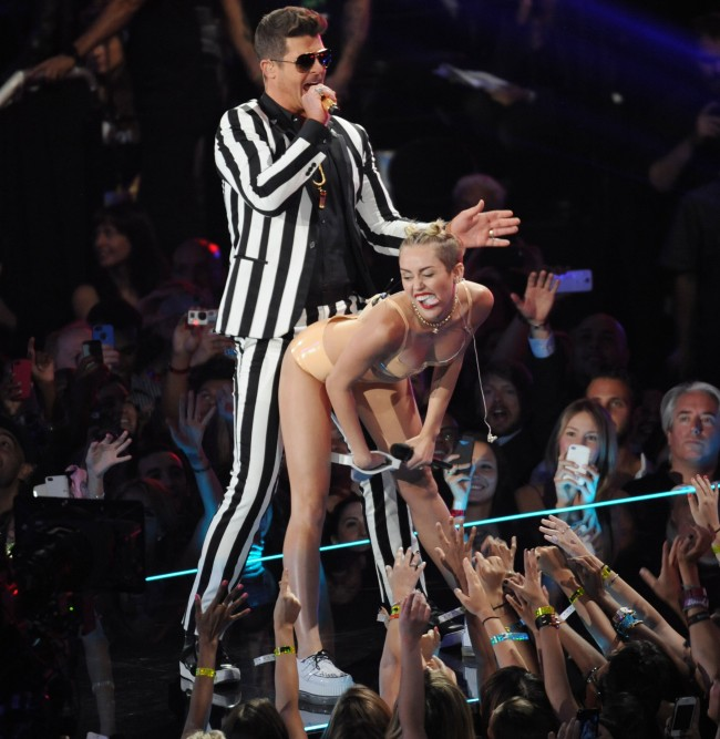 PA 174071971 Edinburgh and Leeds University ban on Robin Thickes Blurred Lines is racist