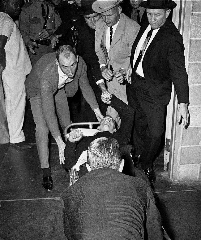 lee harvey oswald acting alone in the assassination of john f kennedy A clear majority of americans still suspect there was a conspiracy behind president john f kennedy's assassination, but the percentage who believe accused shooter lee harvey oswald acted alone is at its highest level since the mid-1960s.