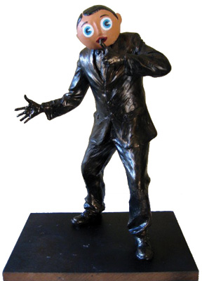 frank-sidebottom 1 statue