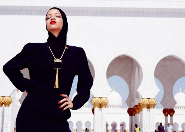 rihanna mosque Rihanna Dry Humps Abu Dhabis Sheikh Zayed Grand Mosque (Photos)