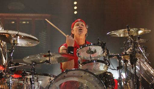 12016321 1 Red Hot Chili Peppers Drummer Gets Death Threats For 'Wiping His Bum' With A Flamengo Shirt