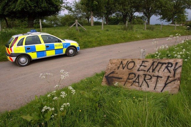 PA 1746450 Rave With Mother: Hampshire Police Attacked On Night Of The Living Dead