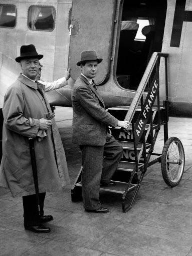 Mr. Malcolm MacDonald, colonial secretary, left, Croydon for Geneva. He submits the British government's white paper proposals for the future of Palestine to the league mandates committee. Mr. Malcolm MacDonald, boarding an air liner at Croydon, London on June 13, 1939 for Geneva, June 13. (AP Photo)
