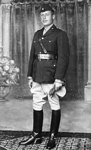 The leader of the aran revolys in Palestine Fawzi Bey Al Qavoukchi, on Sept. 28, 1936.