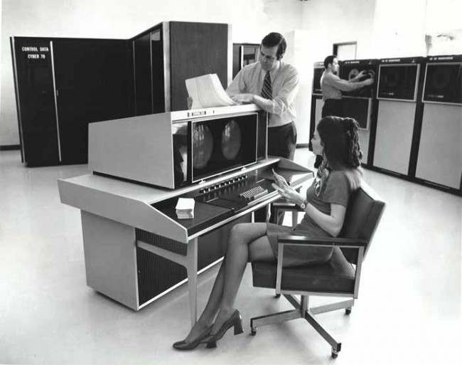 a comparison of personal computers and mainframe computers