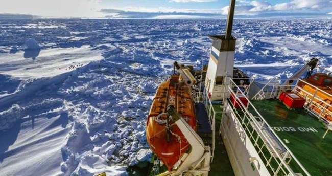 Akademik Shokalskiy  Beyond Parody: Climate Scientists Trapped In Antarctic Ice