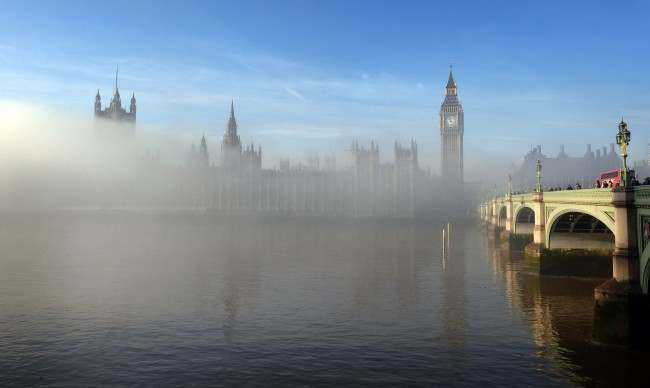 PA 18445833 Scene Of The Day: London By Fog