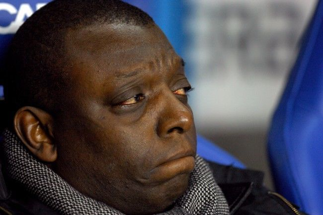 PA 4483127 Arsenal & Manchester United Balls: Wise Garth Crooks Puts His Champagne On Ice