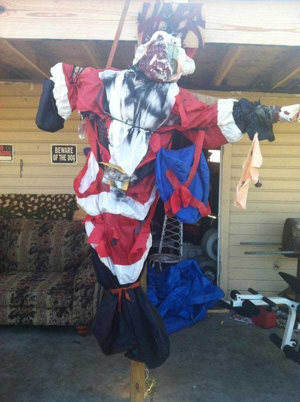 jesus santa Santa Claus Crucified In Texas