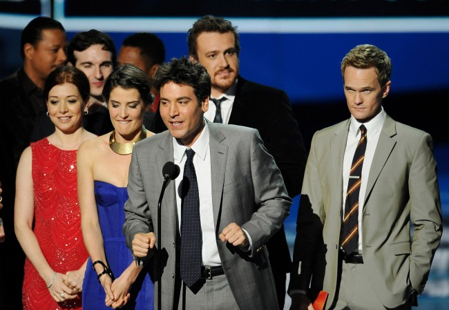"From left, Alyson Hannigan, Cobie Smulders, Josh Radnor, Jason Segel and Neil Patrick Harris accept the award for favorite network TV comedy for ""How I Met Your Mother"" during the People's Choice Awards on Wednesday, Jan. 11, 2012 in Los Angeles. (AP Photo/Chris Pizzello)"