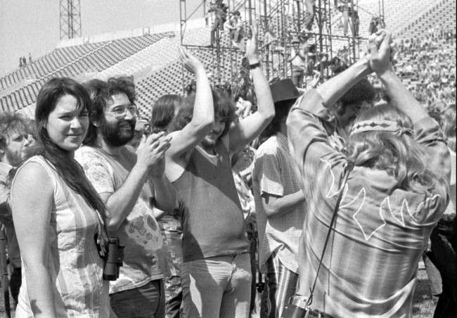 "Guitarist Jerry Garcia, of the band ""The Grateful Dead,"" second from left, is joined by his first wife Mountain Girl, left, Delaney Bramlett, centre, and Bruce Baxter III, right, in Calgary, Alberta, Canada, on July 2, 1970, during the legendary ""Festival Express,"" also known as the Transcontinental Pop Festival. (AP Photo/Ron ""Sunshine"" Mastrion)"