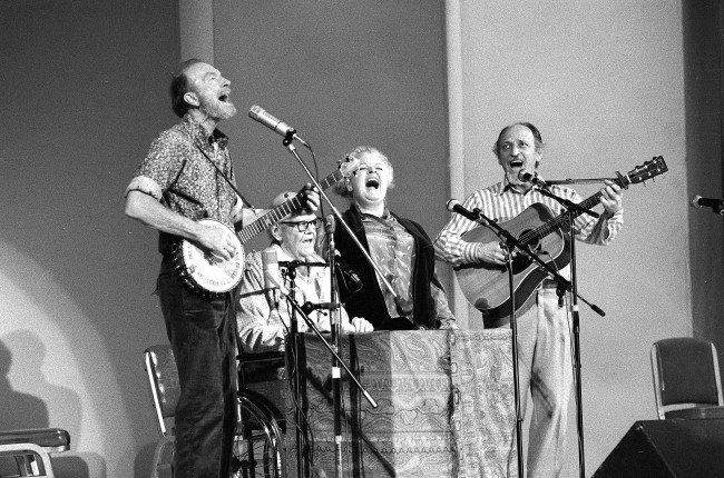 The Weavers, a folk group first organized in 1948, perform in a 25th Anniversary Reunion concert at Carnegie Hall in New York City on Nov. 28, 1980. From left are: Pete Seeger, Lee Hays, Ronnie Gilbert and Fred Hellerman. (AP Photo/Richard Drew)