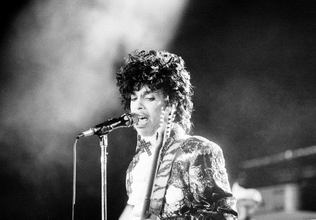 PA 8670174 Prince Sues 22 People For $22 Million