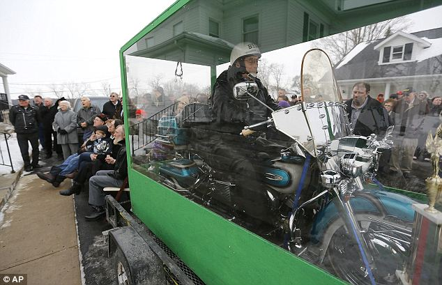Billy Standley harley coffin 1 Man Buried Riding His Harley Davidson Motorcycle   Photos