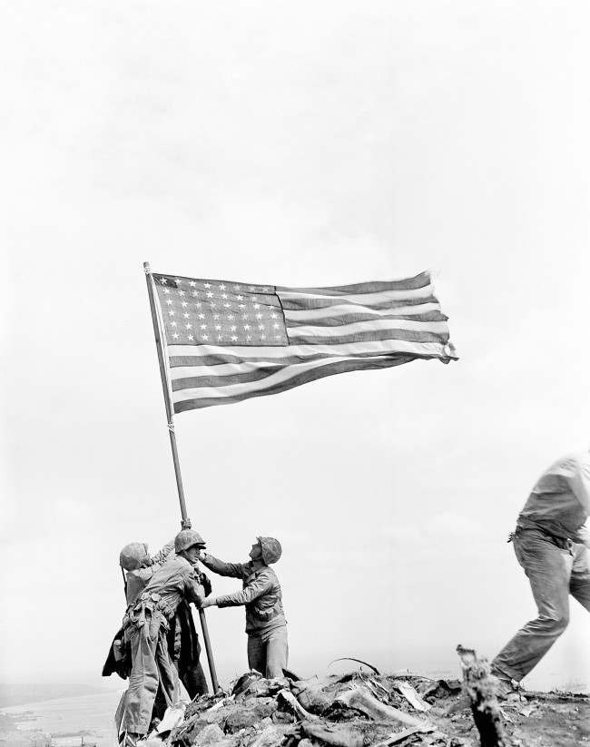 PA 8643280 Iwo Jima: A Story Of Death, Glory And Propaganda In Wonderful Photos