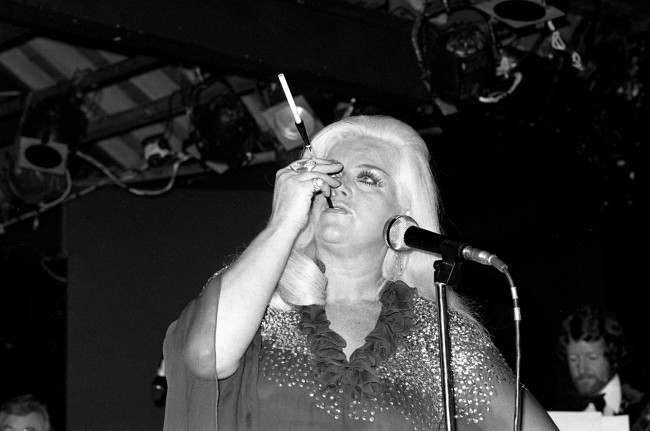 Diana Dors performing at Country Cousin. Ref #: PA.8520371  Date: 09/11/1978