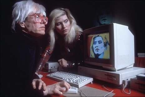 Warhol paints DEbbie Harry on an Amiga Commodore computer in 1985