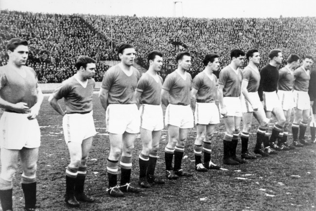 PA. 321672 Soccer - European Cup - Quarter Final Second Leg- Red Star Belgrade v Manchester United Manchester United team group (l-r): Duncan Edwards, Eddie Colman, Mark Jones, Ken Morgans, Bobby Charlton, Dennis Viollet, Tommy Taylor, Billy Foulkes, Harry Gregg, Albert Scanlon, Roger Byrne. Date: 06/02/1958