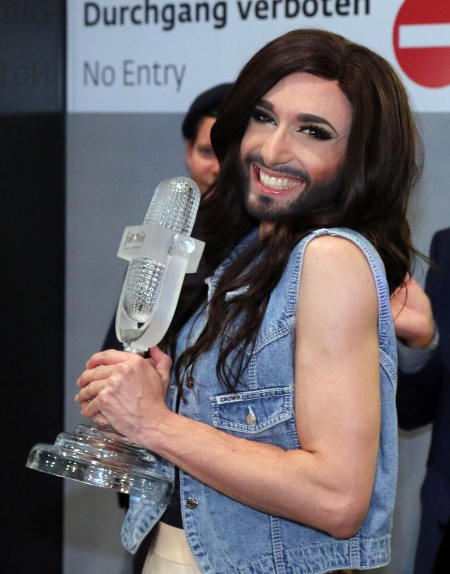 PA 19790350 Eurovision: Nice One Conchita Wurst But Frank Zappa And Steve Kardynal Did It First And Better